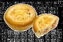 Пирожок Лоранский с красной рыбой и сливочно-сырным соусом