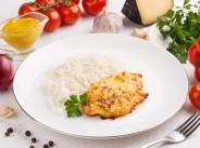 Филе куриное запеченное под сырным соусом с картофельным пюре