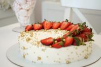Клубничный торт SWEETMARIN