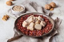 Сациви с куриной грудкой и красным рисом